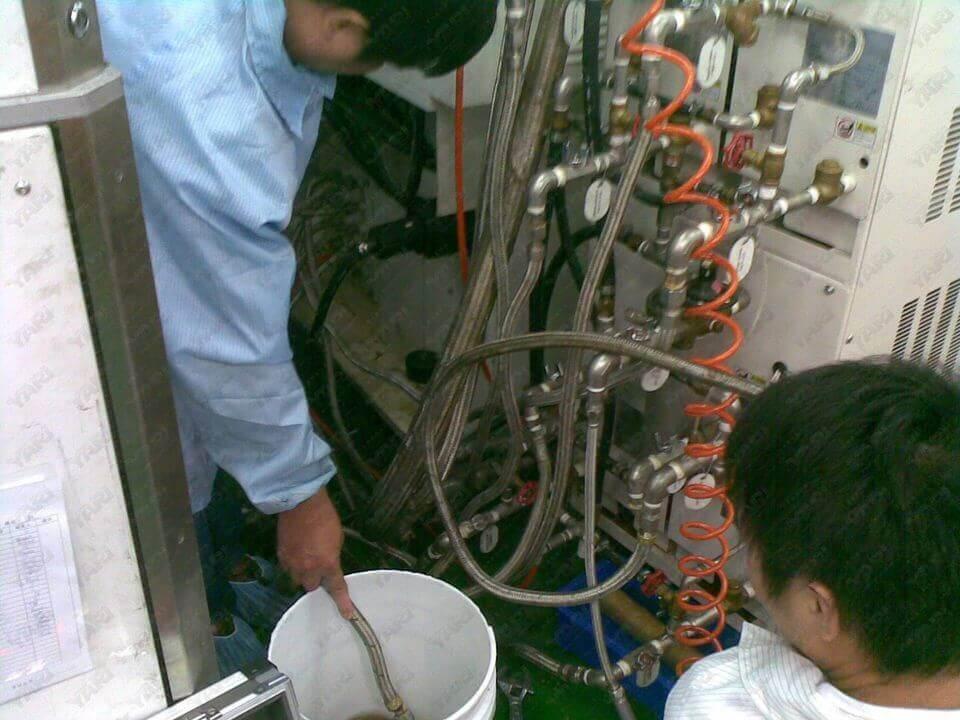 科技廠模溫機管路清洗